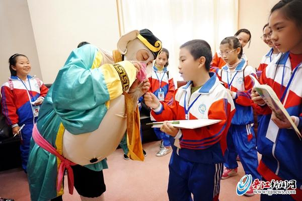 元石五小小记者观看儿童剧《西游记之三打小学晚会元旦白骨晋江图片