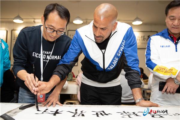 中外足球将帅齐赞晋江赛事组织工作 文化交流活动精彩纷呈引人入胜